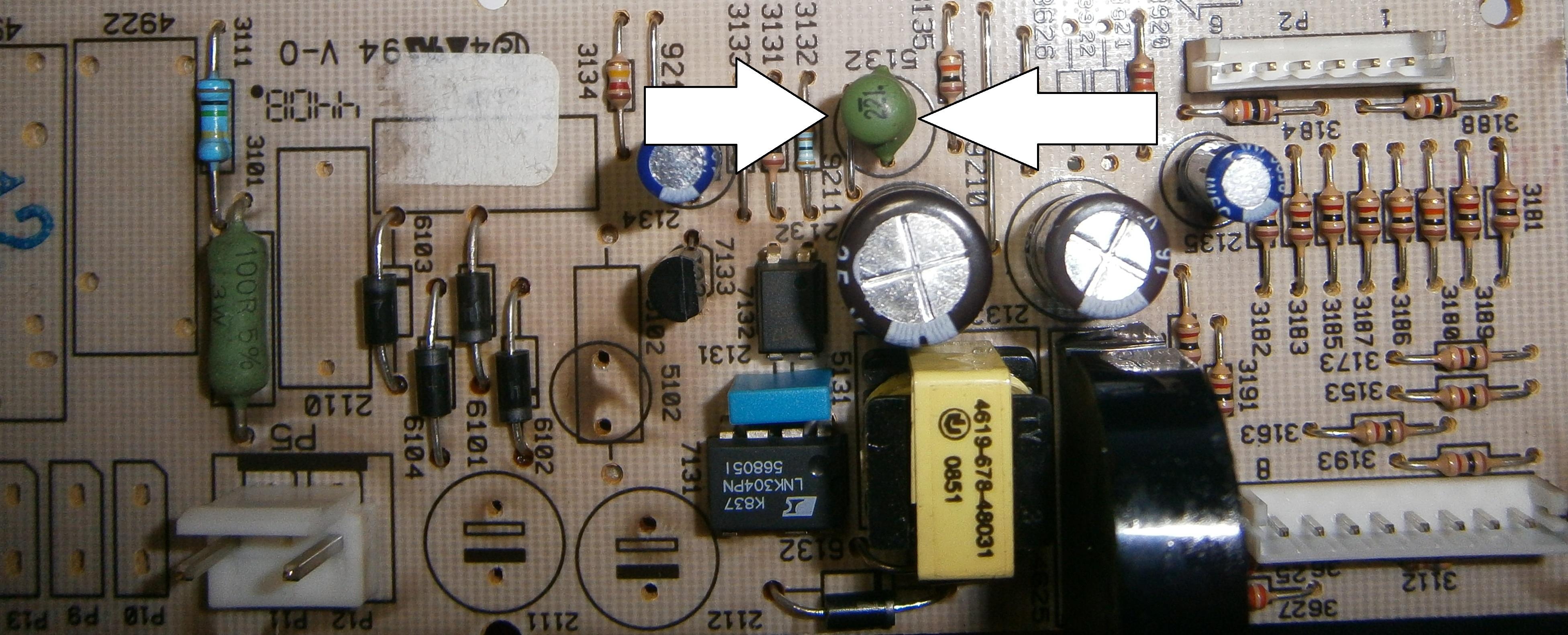 Whirlpool FXVM6 - Dzia�a wy��cznie zegar i lampa. B��d ---C