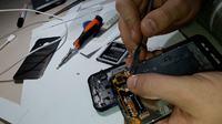 Samsung Galaxy Xcover 3 G388F - Wymiana dotyku / digitizera / szybki- instrukcja