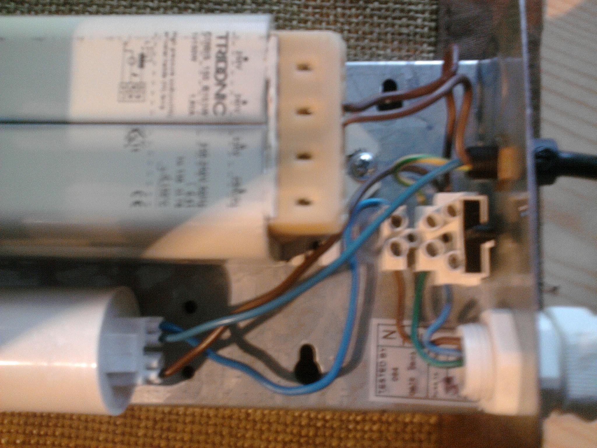 Zanalizowanie pod��czenia przewod�w w zap�onniku HPS 150W