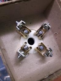 W1-0.1/30 B1-0.1/30 - Poszukiwana podstawka do lampy lub rozwiązanie zamienne