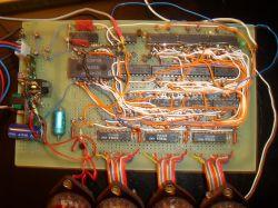 Amplituner z syntezą na układach CMOS/TTL .