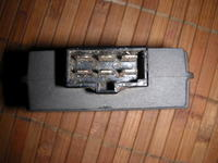 regulator napięcia SH573-12 - Zepsuty regulator, ciężko go czymś zastąpić.