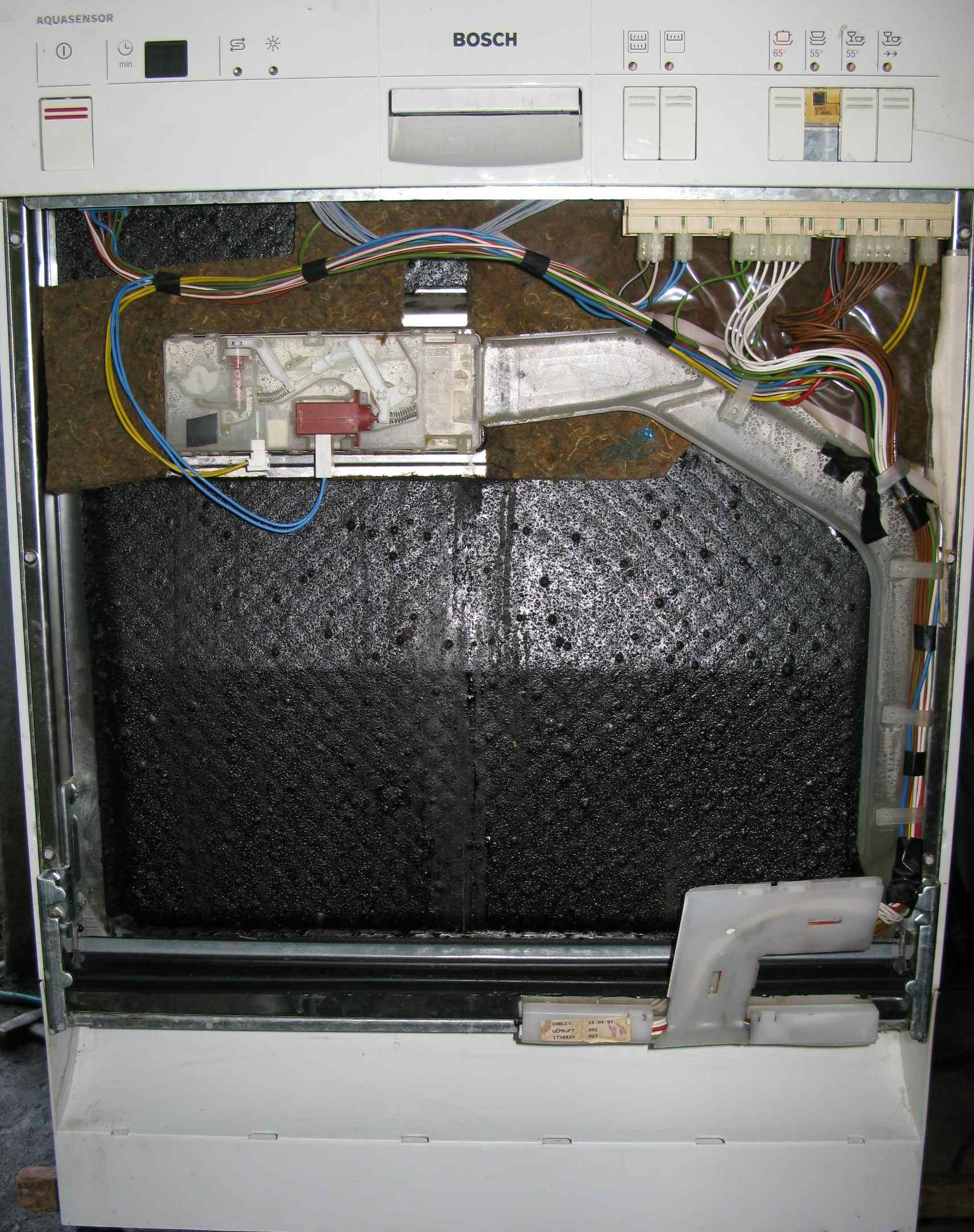 sgs4902/06 - Wylewa wod� przez drzwi, czyszczona, nowe gumy, odpowietrzenie