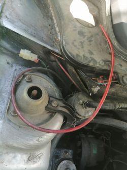 Fiat UNO - Nie wiem gdzie włożyć przewód.