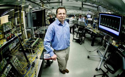 Naukowcy skonstruowali prze��cznik fotonowy na pasmo 500 GHz