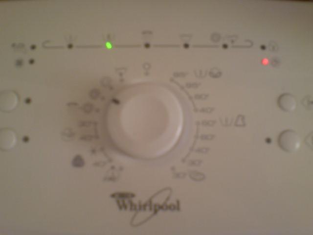 Pralka Whirlpool AWE 2316, nie wiruje,prawa dolna dioda miga