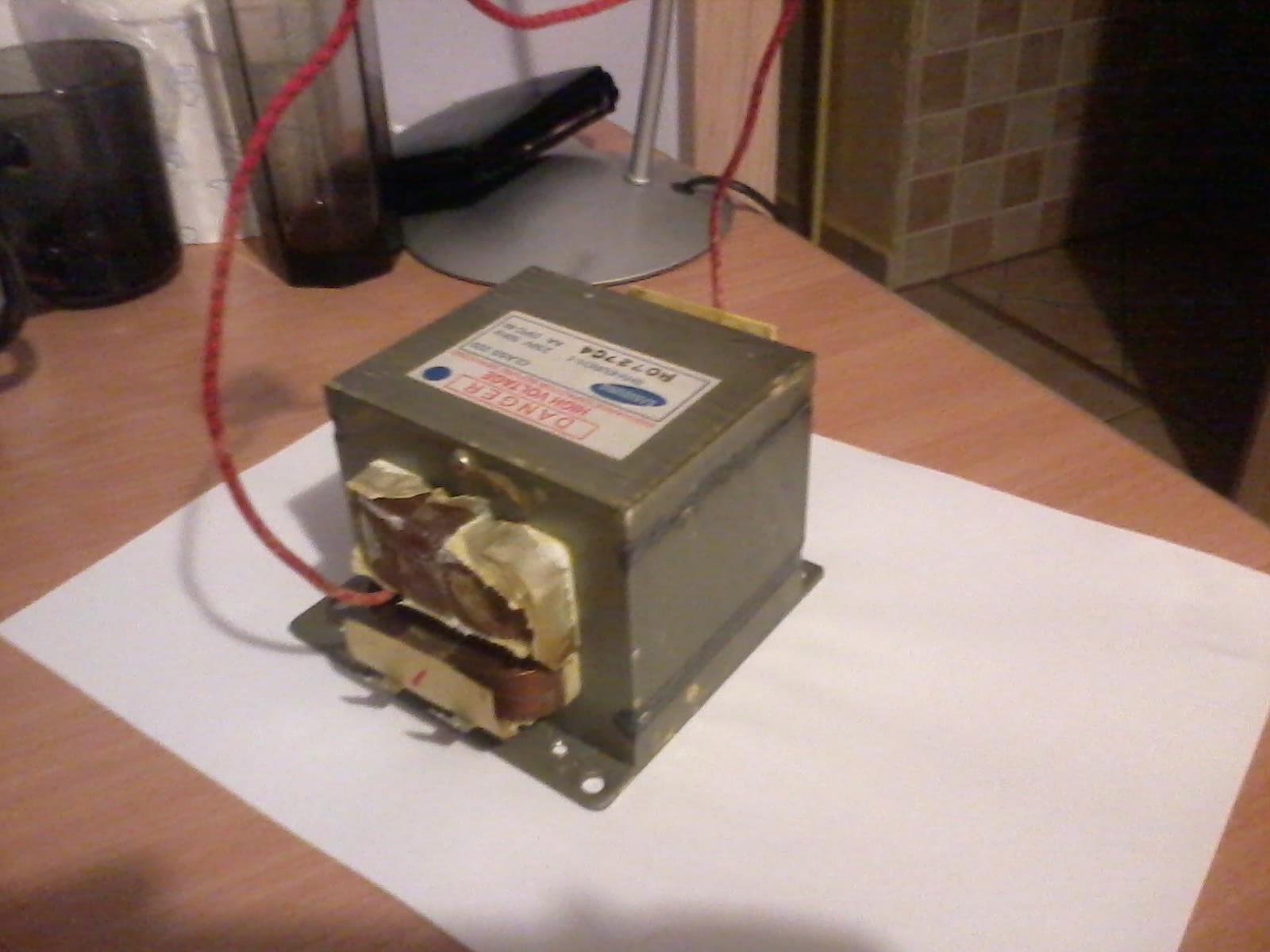 Kuchenka mikrofalowa - Jak sprawdzi� czy transformator jest sprawny.
