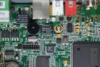 Rejestrator Hikvision DS-7204HVI-S traci połączenie sieciowe
