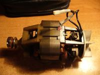 Kondensator w silniku od maszyny na napiecie 230V