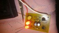 Multiwibrator astabilny z diodami LED - nie miga, świeci na stałe