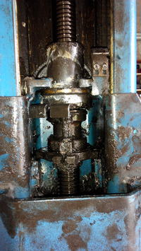 poszukuję schematu podnośnika śrubowego dwukolumnowy hofmann 2500 d-6102