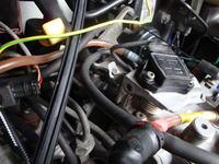 Renault Trafic 1,9D TXX 1998 - Ci�ko odpala, gdzie filtr i co to za blaszka?