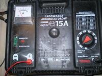 Akumulator Bosch S4 60Ah czy można podpiąć pod prostownik?