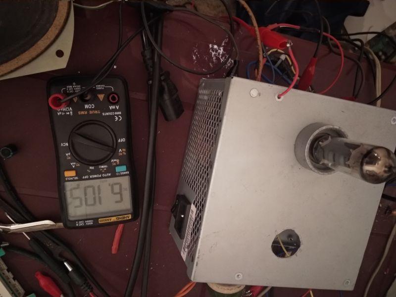 Zasilacz impulsowy typu flyback do wzmacniacza lampowego