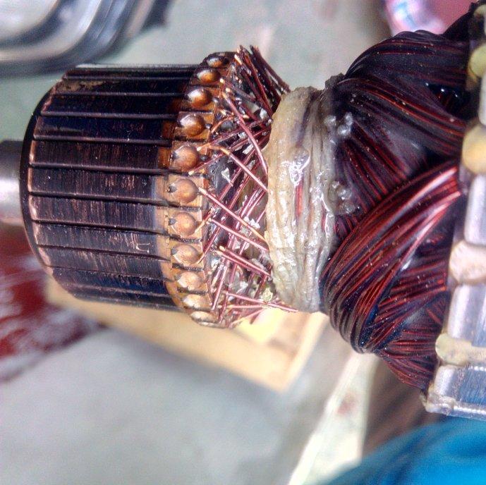 Grubościówka do drewna - Pozrywane druciki na wirniku