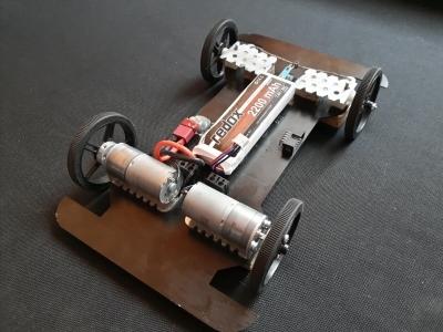 APLOV - Zdalnie sterowany samochód własnej konstrukcji