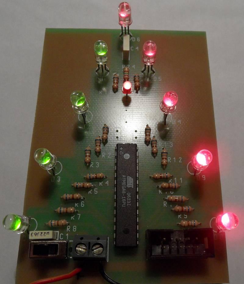Dwukolorowa choinka - efekt wizualny z diodami LED