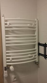 Grzejnik łazienkowy - drabinka. Problem z grzaniem.