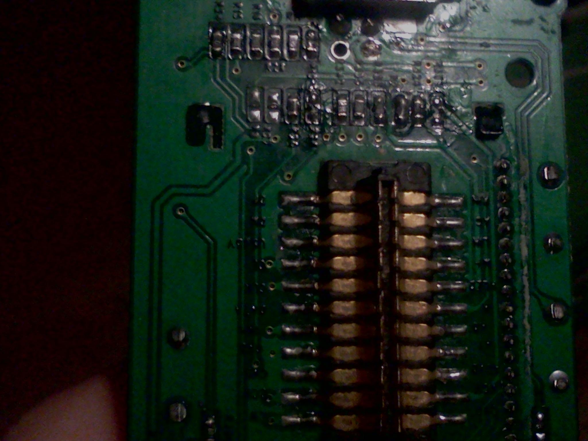 Overmax ov-cr-411 - Przedni panel nie reaguje, dzia�a tylko regulowanie g�osu.