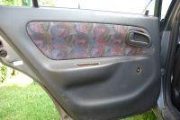 Toyota corolla E11 , demontaż osłony wewnętrzej lewych drzwi tylnych