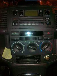 Toyota Corolla Verso 1.6 2003 - Demontaż panelu przedniego / zapalniczki