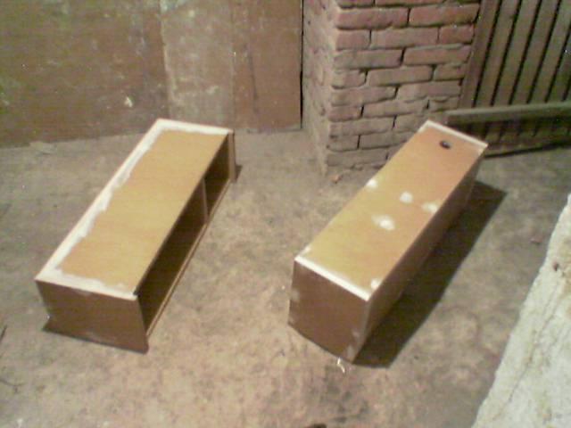 Kolumny 3-drożne zbudowane na glosnikach STX