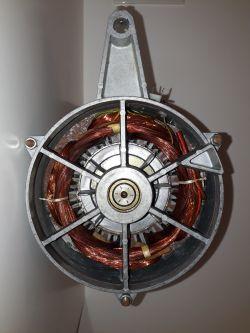 Eudora EU 443-01 - wysadza bezpieczniki w trakcie wirowania