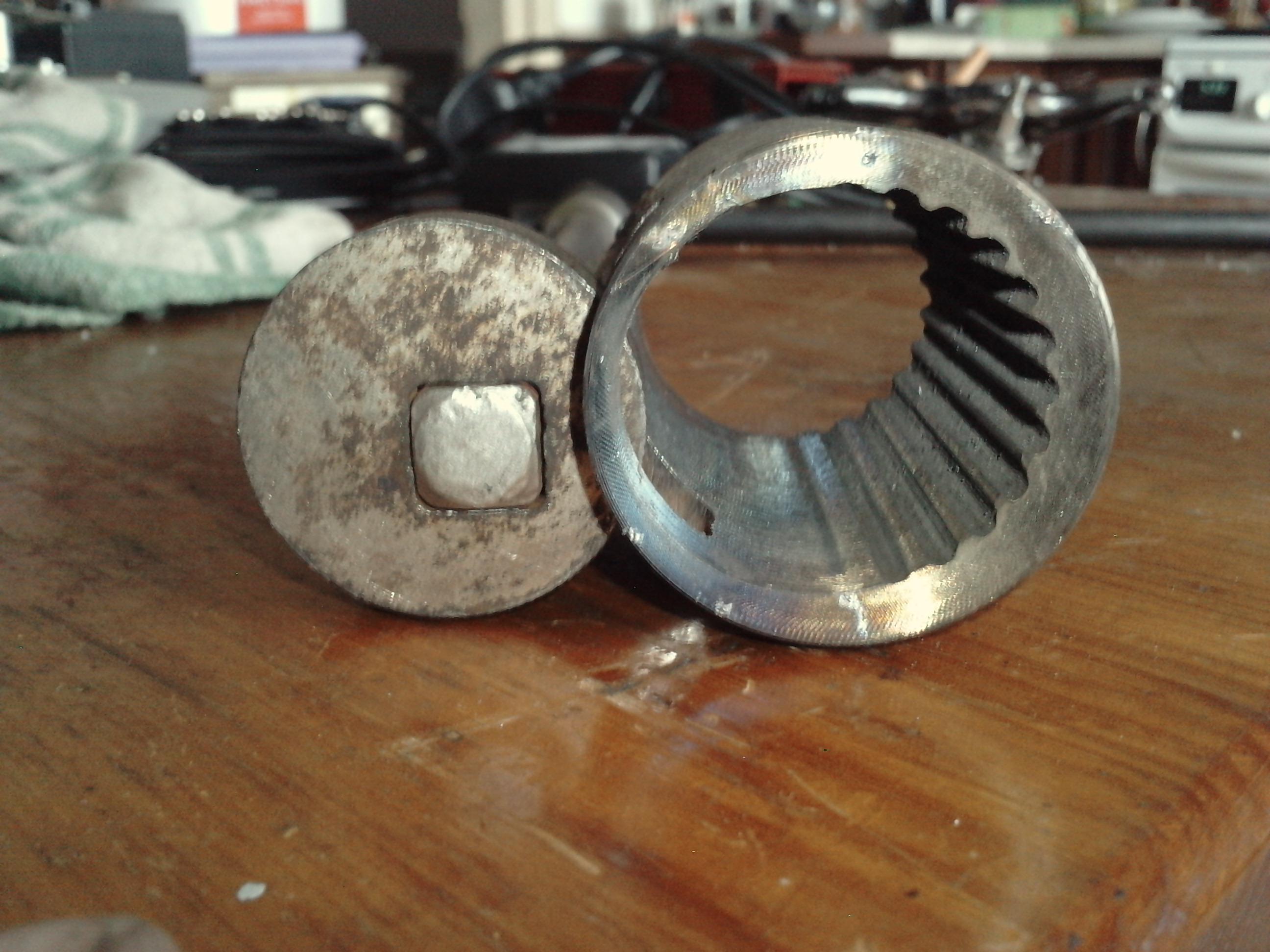 Jak odkr�ci� przegub dr��ka bez  demonta�u maglownicy (VAG)?