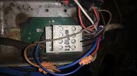 Sterowanie stycznikiem przez przyciski ZAŁ i WYŁ z wyłącznikiem ciśnieniowym.