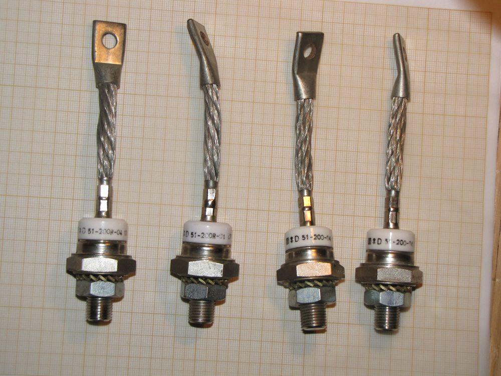 [Sprzedam] Diody Unitra 200A 400V 4 sztuki+ 2 radiatory, mostek selenowy i inne
