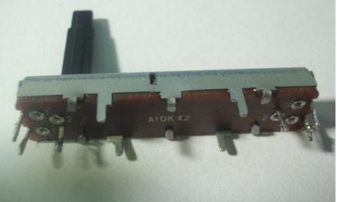klawisz Roland E15 -potencjometr