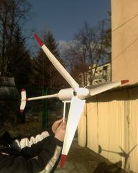 Generatorek wiatrowy o mocy 80W