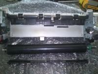 HP 4250 - jak wymienić wałek dociskowy w piecu (fuser)?
