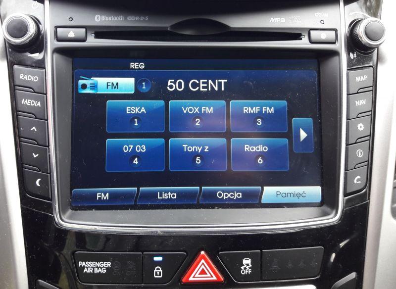 Hyundai i30 II 2013r. - Problem z mikrofonem - nie słychać mnie jak mówię
