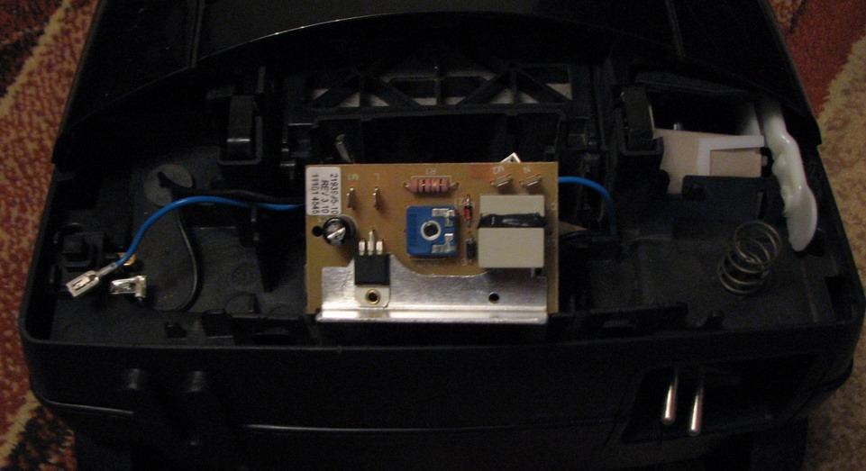 odkurzacz Electrolux Power ZCE2200, regulator 2193995 - jak pod��czy� kabelki