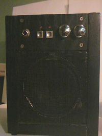 Kokodin Microamp - bateryjny wzmacniacz gitarowy z zasilaczem efektów