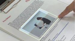 Interfejs zamieniaj�cy papierowe dokumenty w powierzchnie dotykowe