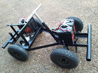 Mały szybki elektryczny jeep