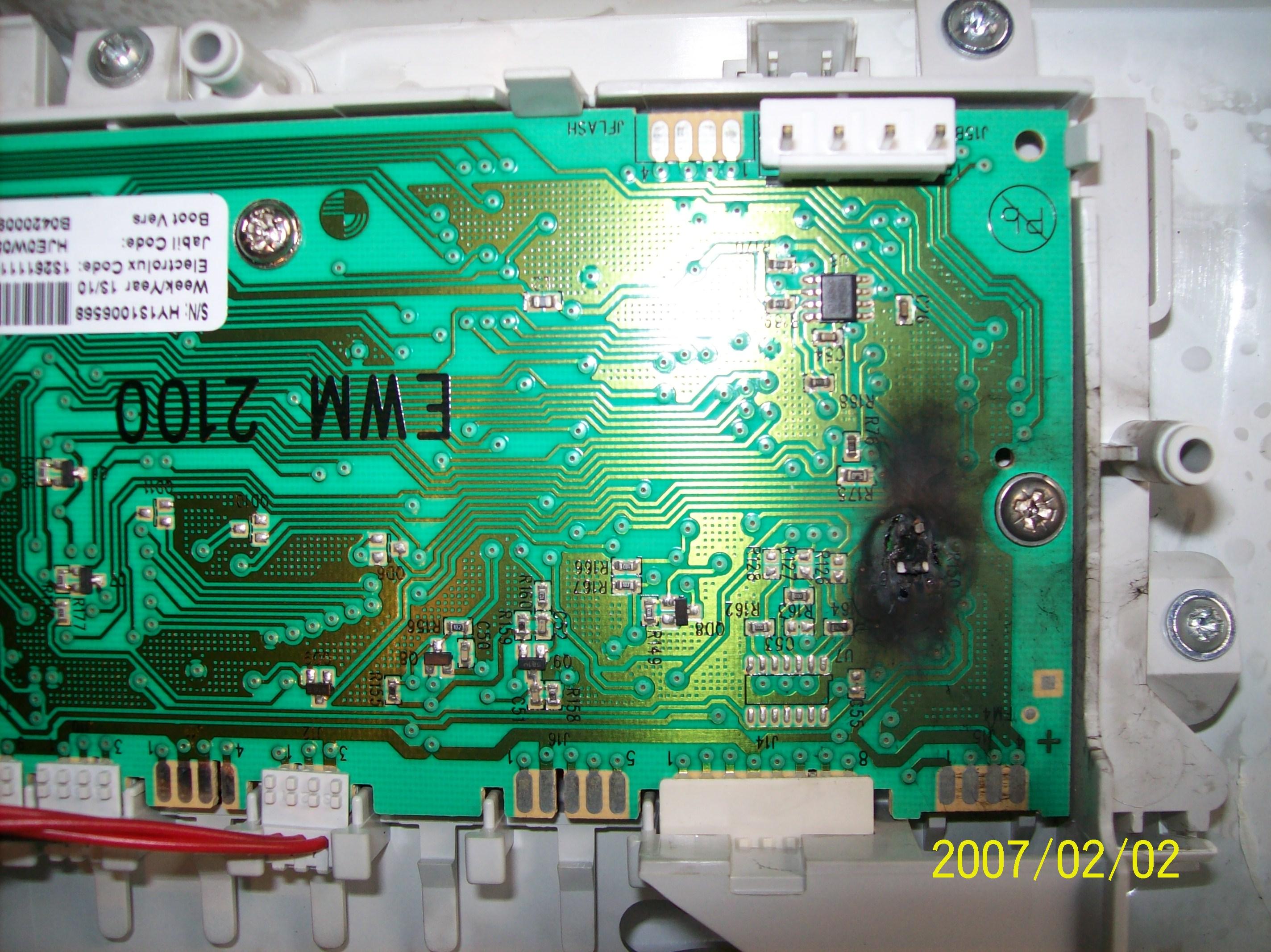 Electrolux EWT10540W (EWM2100) - Pralka - brak reakcji - modu� uszkodzony Q5