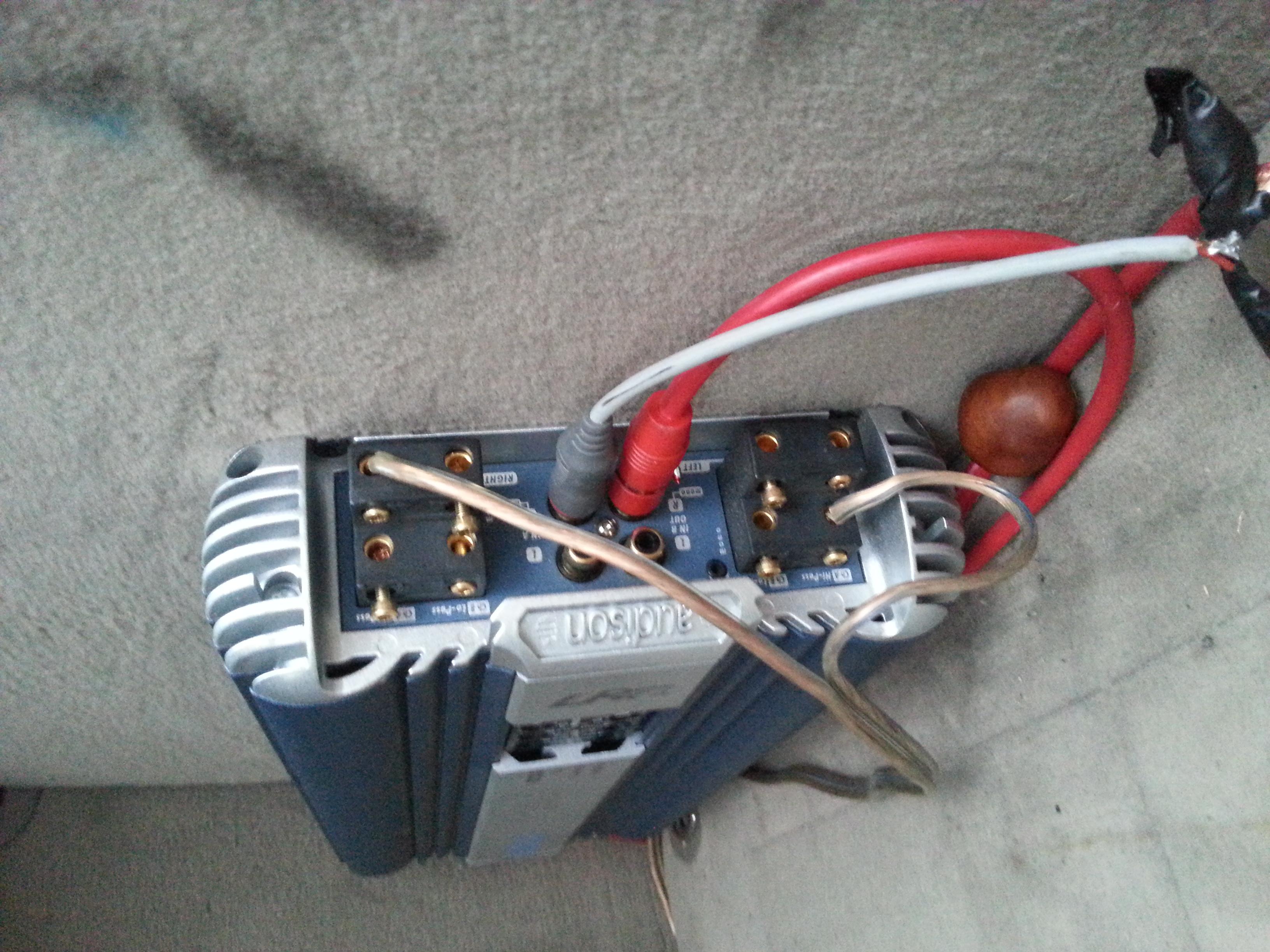 audison LRx 4.300 - Jak zmostkowac pod glosnik basowy?