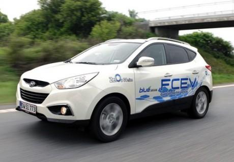 Hyundai ix35 aka Tucson -  elektryczny samoch�d z ogniwami paliwowymi (FCEV)