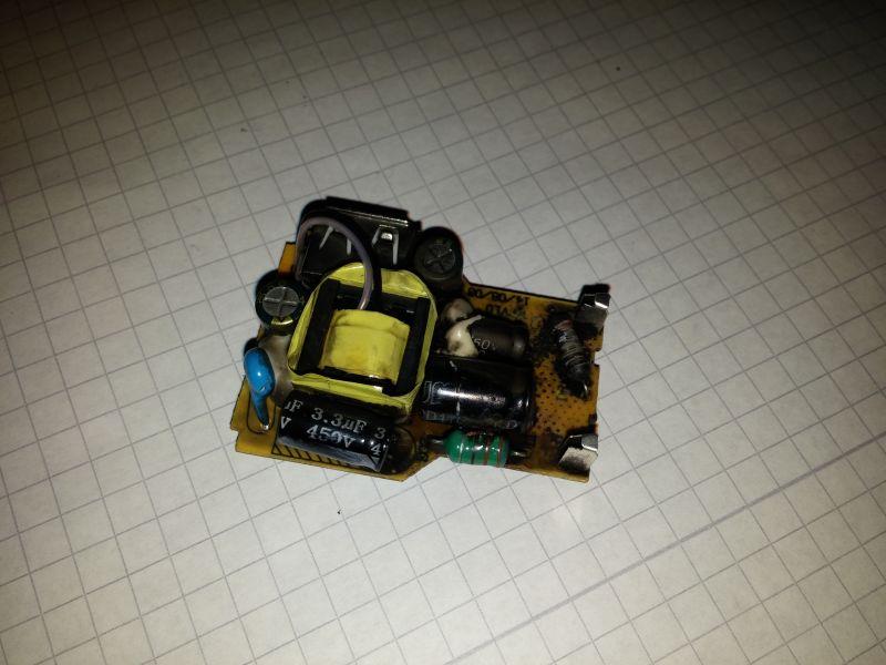 Wybuch Ładowarki od Telefonu (Smartfona) Goclever.