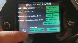 EA9000 Krups - pobór płynu do czyszczenia dyszy spieniającej