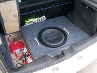 VW Polo n6 - prosta zabudowa w bagażniku