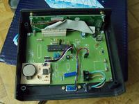 Mikroprocesorowy licznik obrotów i motogodzin w ciągniku.