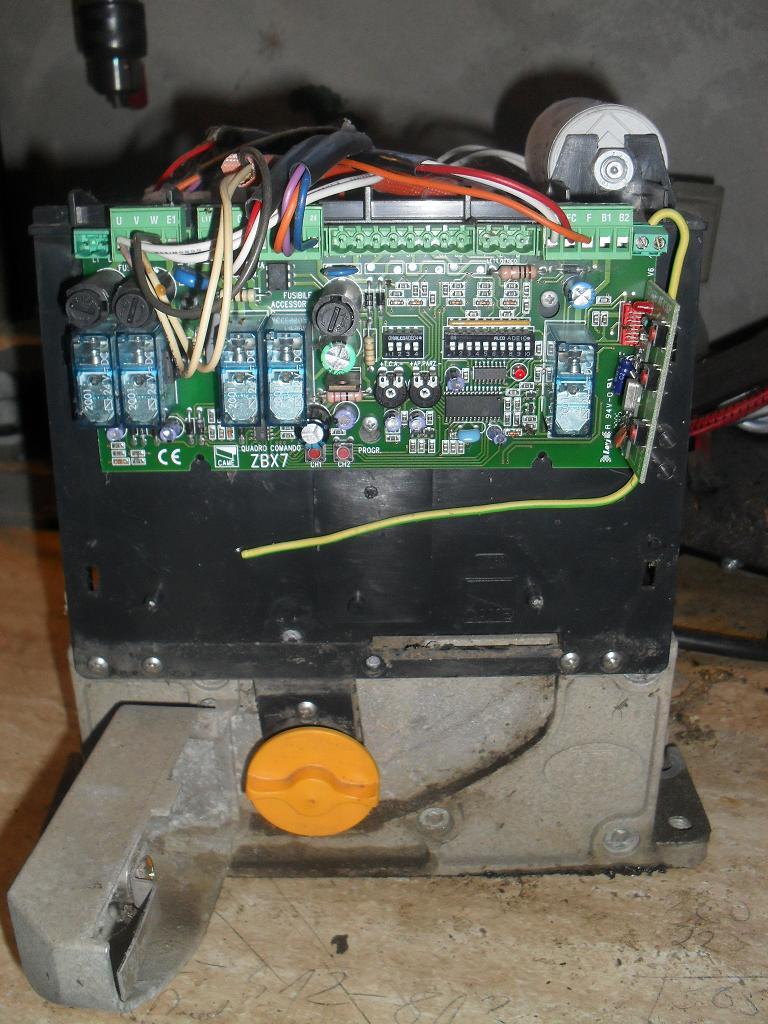 Automat bramy suwanej CAME seria ZBX -nie dziala