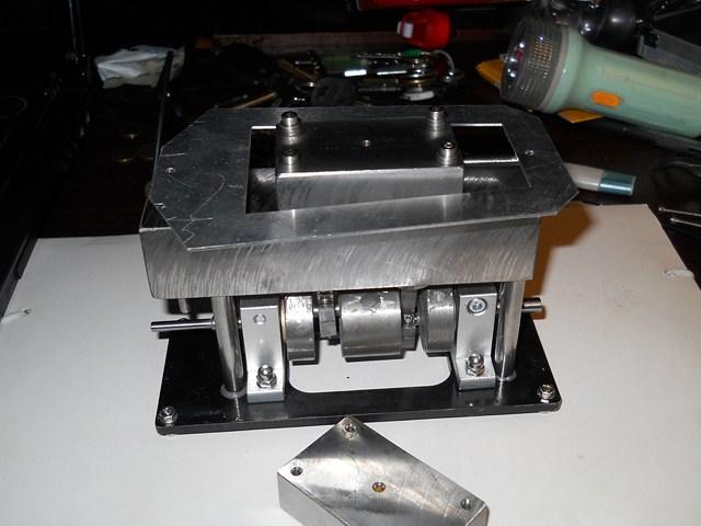 Maszyna parowa dwut�okowa z rozrz�dem suwakowym