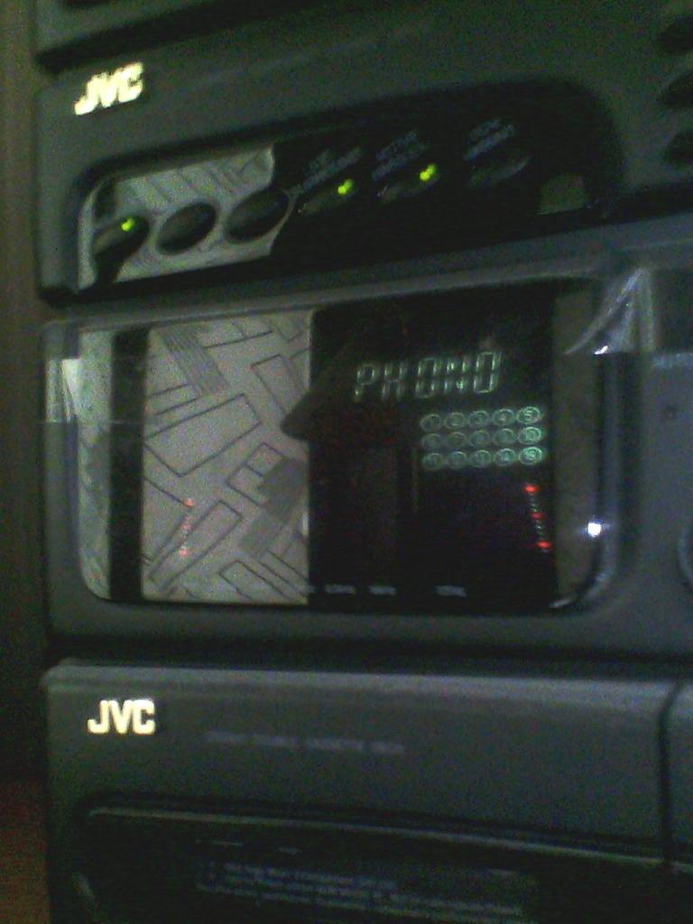 JVC MX-S3 - Naprawa obudowy - jaki klej do panelu przedniego (plastik)?
