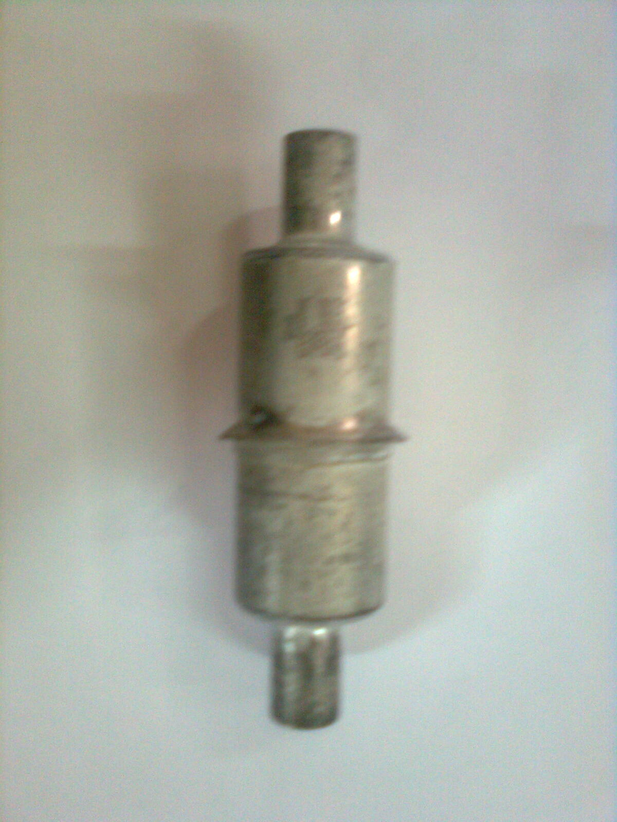 [Kupi�] Kondensatory 1) 5MFD / 36V/200AMP QTY - 250 NOS. 2) 5MFD/30V/400AMP Q