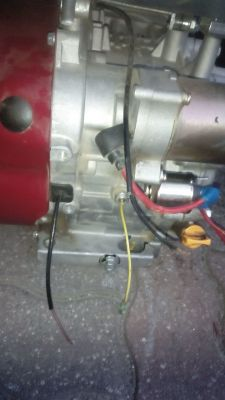 silniczek kosiarki podłączenie kabli rozrusznika, stacyjki